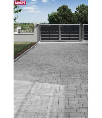 Ingresso garage con pavimento autobloccanti filtranti Maspe  texxa grigio serizzo