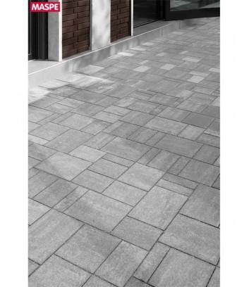 Entrata garage con pavimento esterno con autobloccanti filtranti Maspe  texxa grigio serizzo
