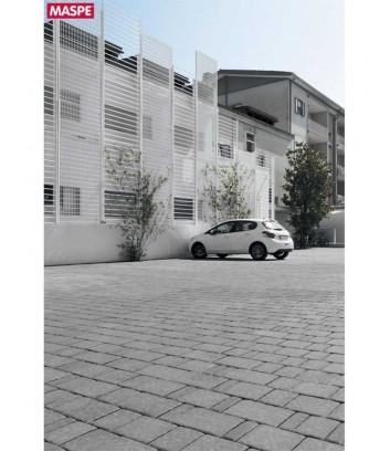 Parcheggio condominiale con pavimentazione texxa limestone grigio titanio