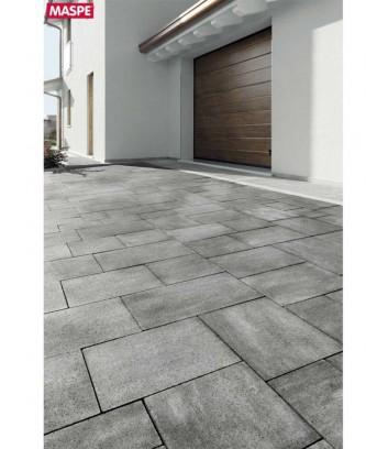 Pavimento entrata garage con skema grigio serizzo Maspe