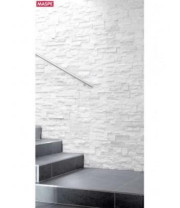 Vano scala con rivestimento in pietra naturale palladio Maspe