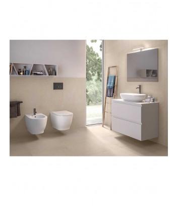 Ambiente con wc sospese a parete rimless Moon Rak Ceramics