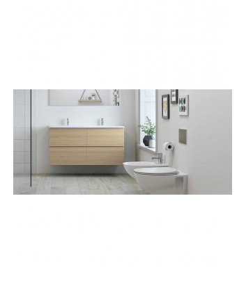 Ambiente con WC a terra filo muro con sistema rimless linea Morning Rak Ceramics