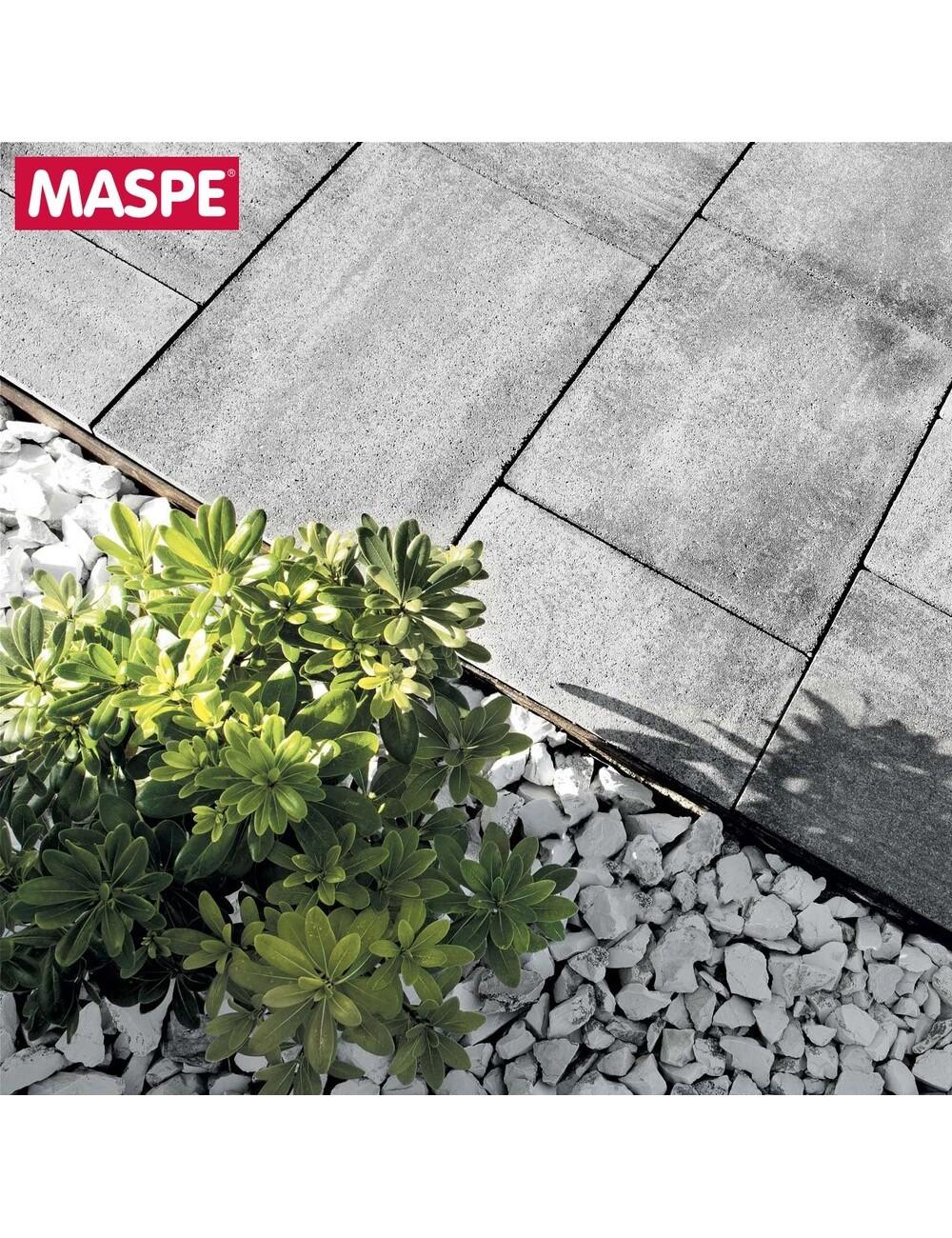 Particolare vialetto con massello autobloccante skema grigio serizzo Maspe