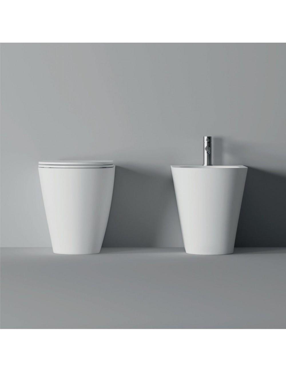 coppia di sanitari a terra Hide round di Alice ceramica